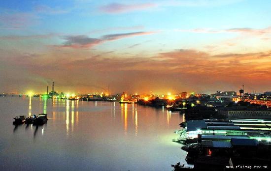 新塘 港 夜景图片