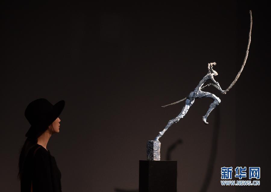 雕塑家理查德·布瑞克赛尔雕塑作品大剧院开展