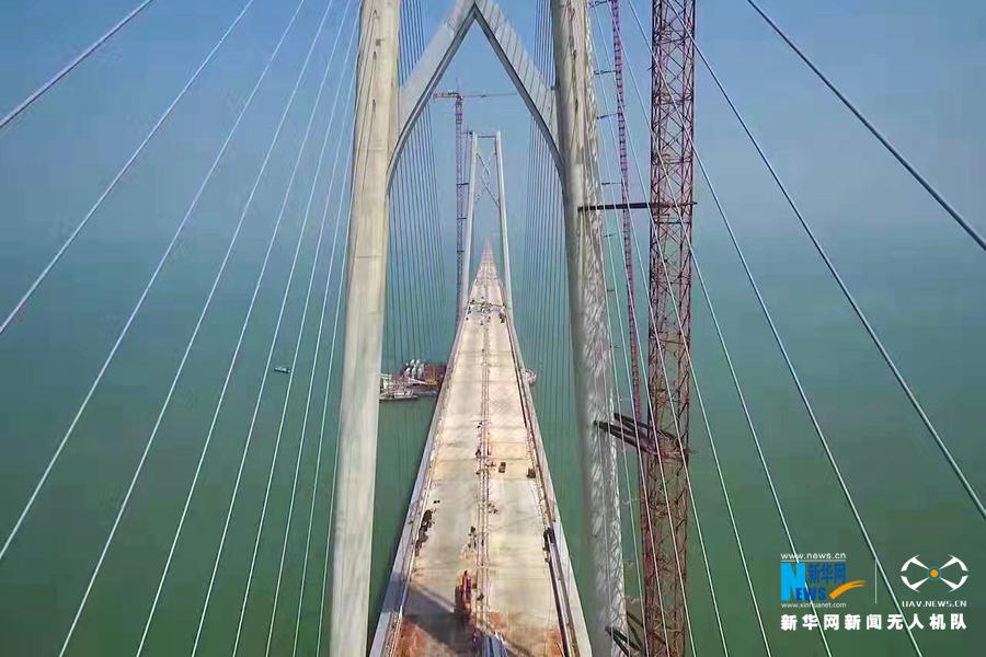珠澳大桥主体桥梁工程贯通 中国桥梁建设的里程碑