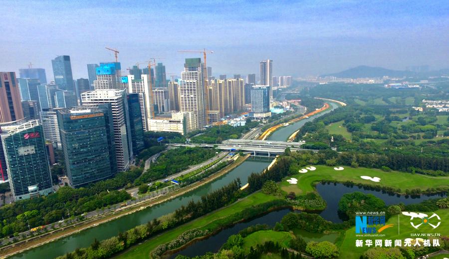 航拍深圳南山生态景观走廊图片