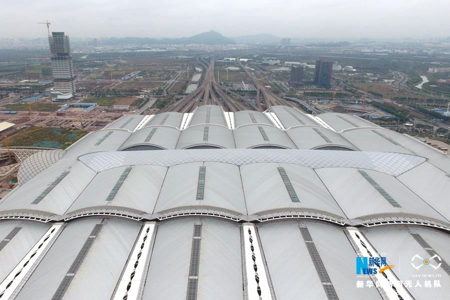 航拍春运首日:广州南站客流量迅速攀升成高峰
