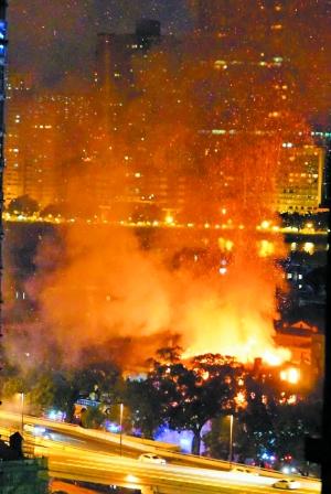 广州沙面一民房起火