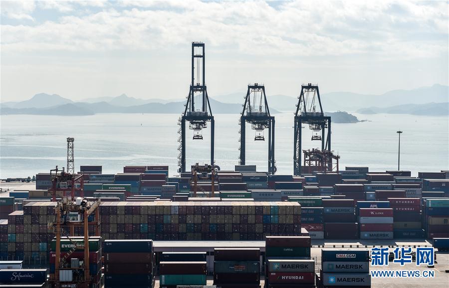 (經濟)(3)深圳港集裝箱吞吐量突破2500萬標箱