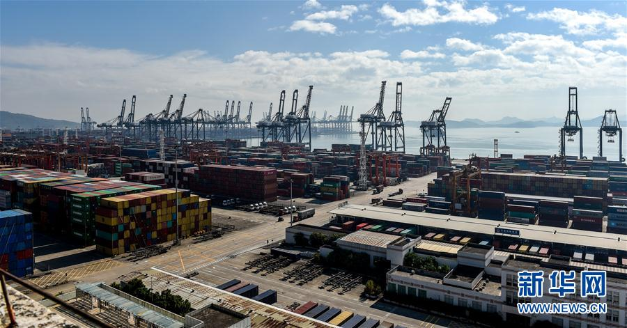 (經濟)(4)深圳港集裝箱吞吐量突破2500萬標箱