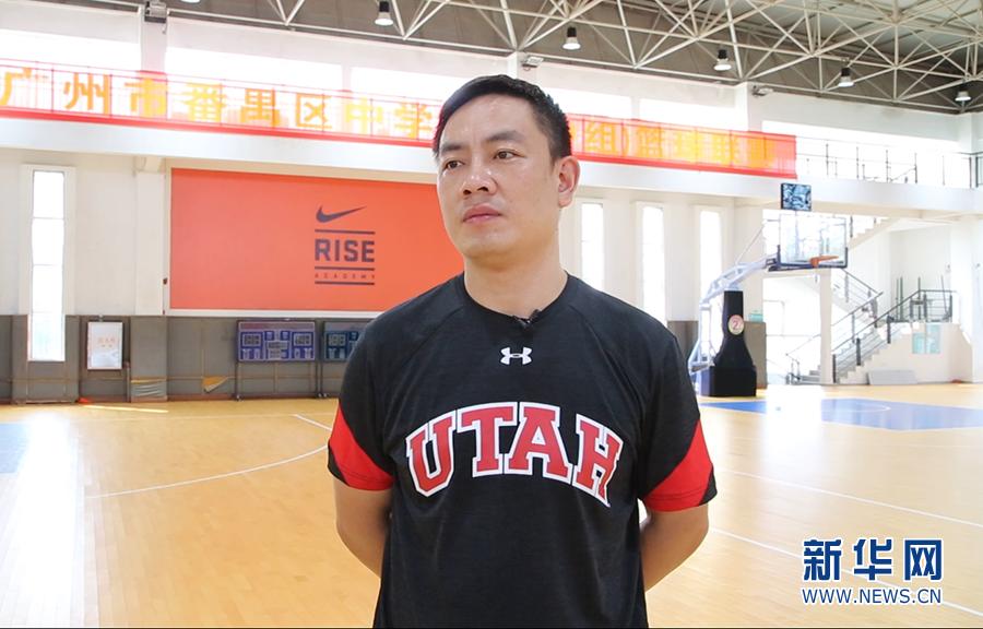 体育老师陈景华:篮球场上展风采 一片丹心育桃李