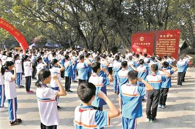 广州开展系列宪法宣传教育活动 将宪法送进千家万户
