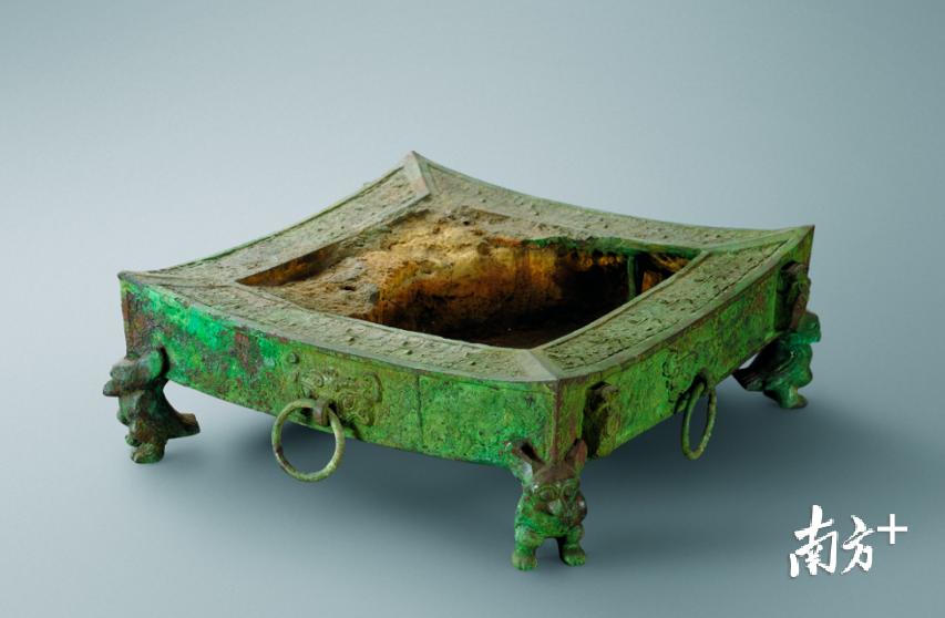 """南越王博物馆出土的古代""""BBQ""""铜烤炉"""