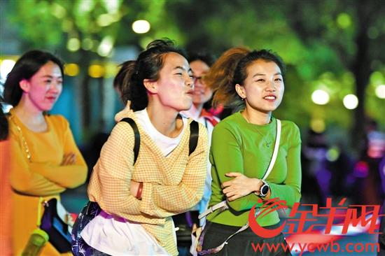 """冷空气昨日""""到货"""" 广东已有11个市县发布今冬首"""