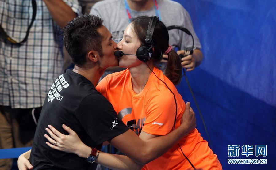 羽毛球世锦赛:林丹胜利后的激情 图片频道