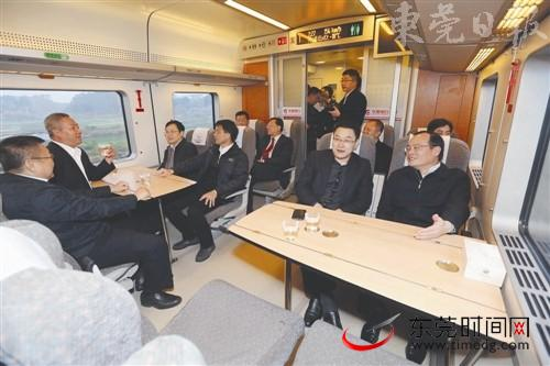 从东莞火车站出发往广州方向的列车也会比以前