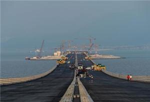 港珠澳大橋沉管隧道最終接頭焊接合龍完成