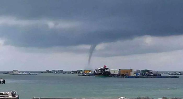 20日中午陽江閘坡馬尾島外海面現龍卷風