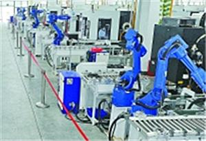 """探訪珠三角""""無人工廠"""": 生産線上的智造變革"""
