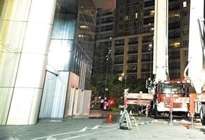 """廣州54層高樓""""起火""""43輛消防車奔赴現場"""