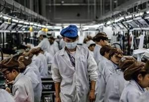 """東莞工廠人力結構迎來新變化 高學歷""""藍白領""""增多"""