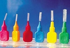 清潔小牙縫有大講究 選對神器事半功倍
