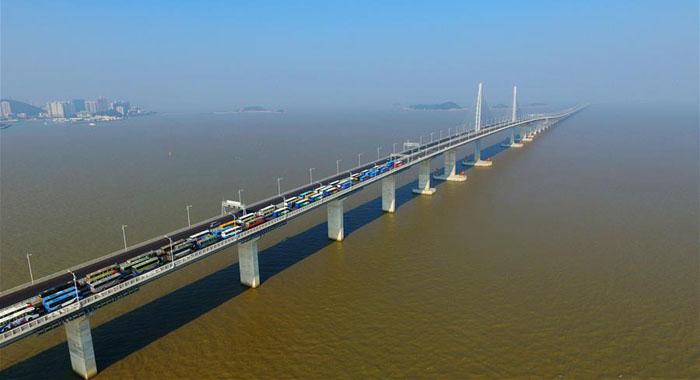 12月31日,港珠澳大橋主體工程如期具備通車條件