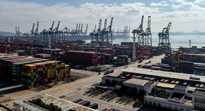 深圳港集裝箱吞吐量突破2500萬標箱