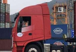 自動駕駛技術應用于港口 無人集裝箱卡車亮相珠海