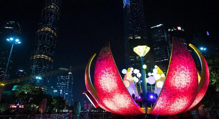 廣州迎春花市燈光音樂會亮燈