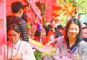 广州花市首日客流破百万!你来逛花市看花灯了吗?