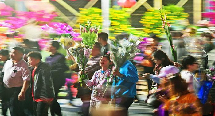 逛花街、团圆饭……来看看广州人的除夕