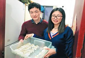 广州公租房里的首个春节:新家里的年味各不同