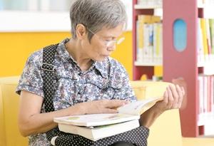 圖書館女神多 80後愛讀書