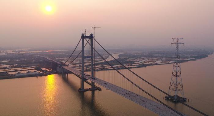 珠江口又一过江通道主桥顺利合龙