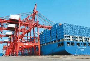 廣東7月份外貿明顯回暖 進出口同比增長13.7%