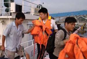 漁船淩晨在廣東臺山海域觸礁擱淺 5船員成功被救