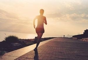 愛跑步的人消耗大 需要多吃米飯面條嗎?