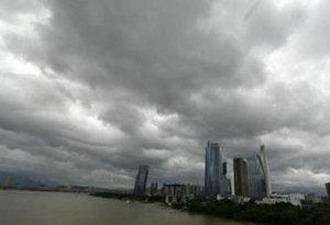 雷雨來了!深圳本周將受兩個臺風影響,出門注意帶傘
