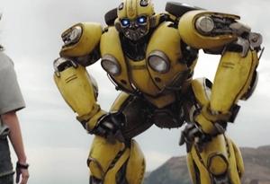《大黃蜂》發布新版預告片 變形金剛變回原型重返80年代