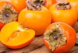螃蟹和柿子同食會導致腹痛?如果吃澀柿子還真會
