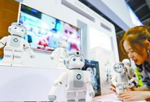 高交會:唱歌跳舞機器人少了 工業應用機器人多了