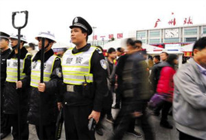 穗警方日常投入2萬余人護航春運