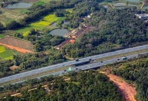 春運第一天 直升機直擊京港澳高速、樂廣高速