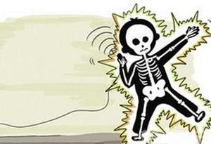 意外遭電擊需警惕腹部損傷