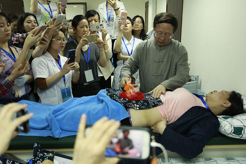 第二屆嶺南中醫護理聯盟中醫特色療法展示大賽舉辦