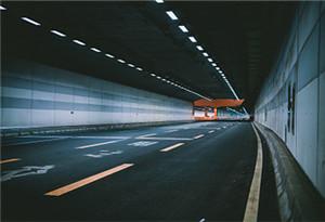贛深高鐵深圳段首條隧道貫通