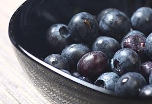 新研究:每天吃一小碗藍莓有助心臟健康