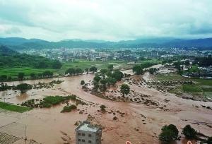"""粵6個河道站水位超警 救援物資人力""""奔""""向受災地區"""