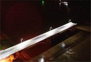 廣東河源東江大橋垮塌 1人被救起其他傷亡不明