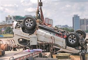 河源東江大橋坍塌撈起1落水車 暫未發現失聯人員