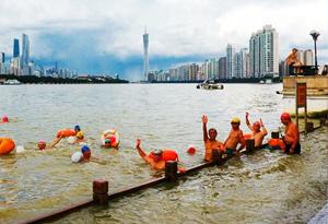 夏日炎炎好戲水 無人機帶你去珠江上消暑