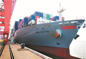 湛江港首條南亞直航冷鏈班輪快線開通