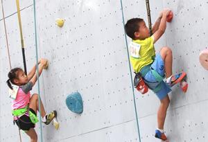 2019廣州攀岩公開賽收官 高手對決賽事精彩