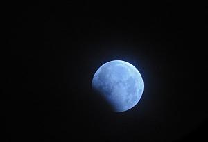 """7月17日天宇將上演""""天狗吃月""""少見天象"""