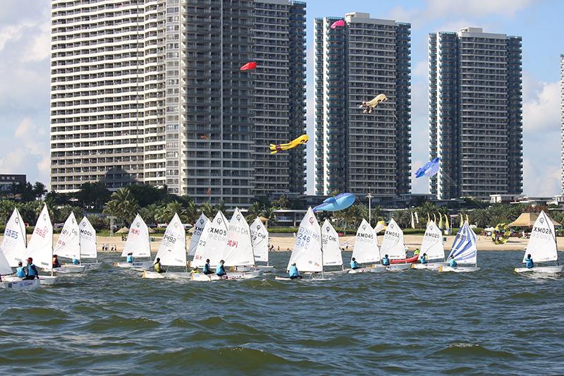 第二屆全國青運會帆船帆板預決賽在敏捷黃金海岸開幕